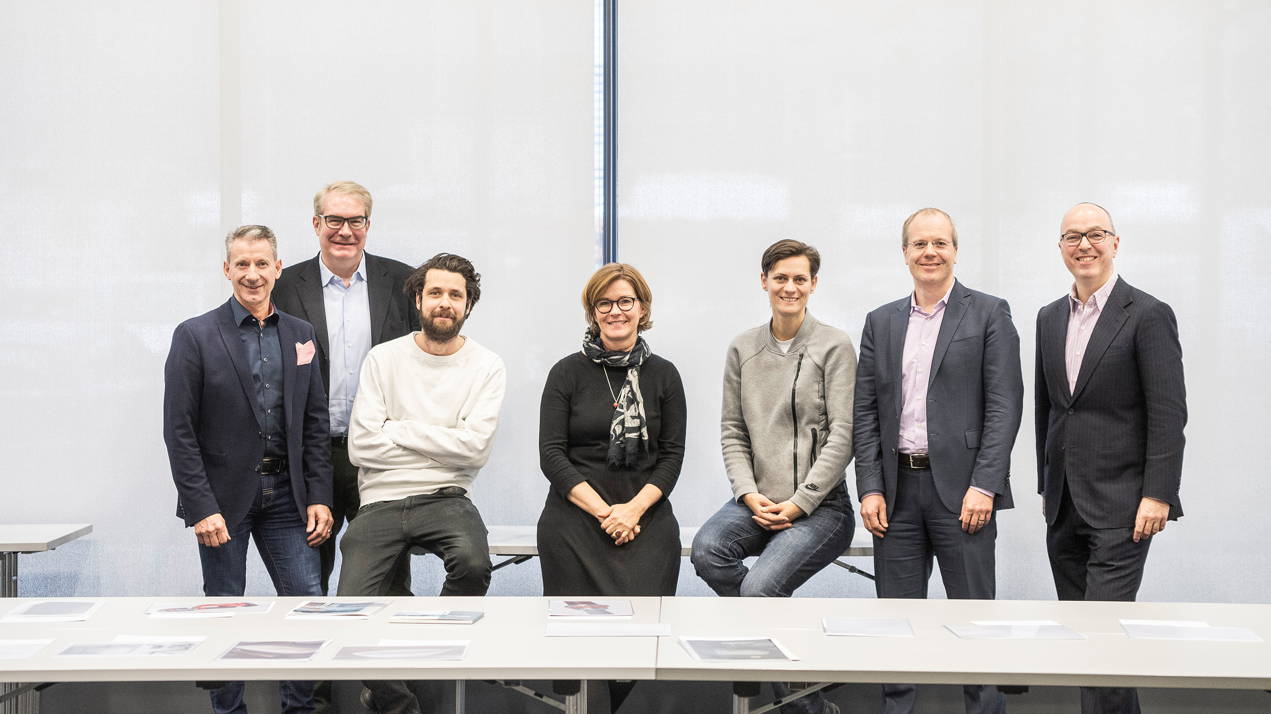 A distinguished jury of the Design Plus competition. (Copyright: Rat für Formgebung Service GmbH/ Manuel Debus)